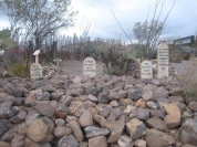 Tombstone-Boot_Hill_Graveyard-Graves_of_Billy_Clanton,_and_Frank_and_Tom_McLaury_2