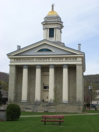 Chenango_County_Courthouse_May_09
