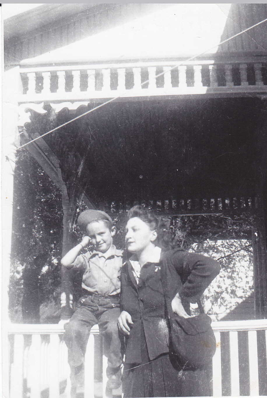 mom & bro 1943
