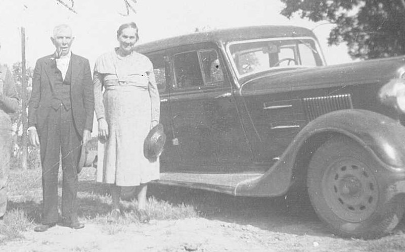 Grandma & Grandpa Hughes and Mr & Mrs Lewis (Neighbors) edited