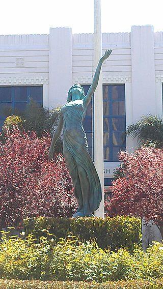 .myrna.loy.statue.venice.high.los.angeles